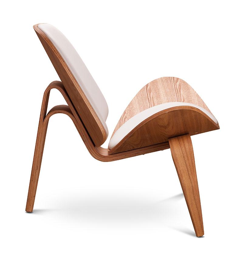 Silla de madera con diseño especial